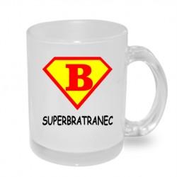 Dárek pro bratrance. Hrníček s nápisem super bratranec ve stylu supermana v barvách červená a žlutá.