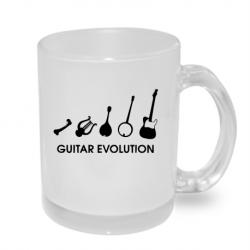 Hrníček s potiskem evoluce kytarista, dárek pro milovníka hry na kytaru